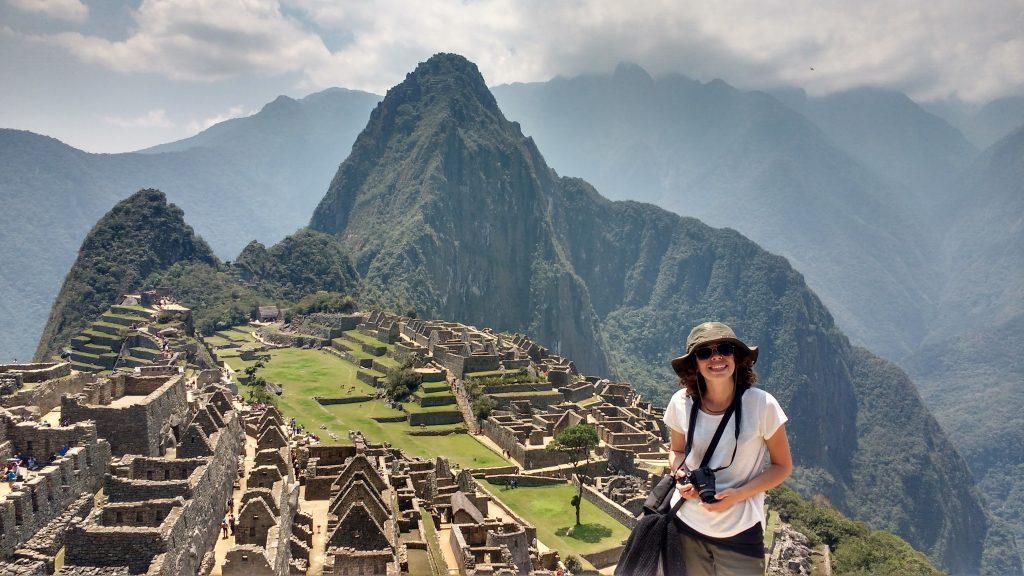 Yo-intentando-la-sonrisa-en-el-Machu-Picchu